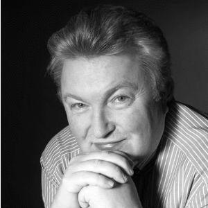 Klaus Grochowiak Headshot
