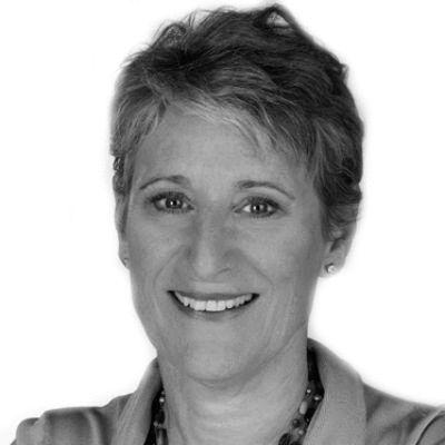 Laura Butler Headshot
