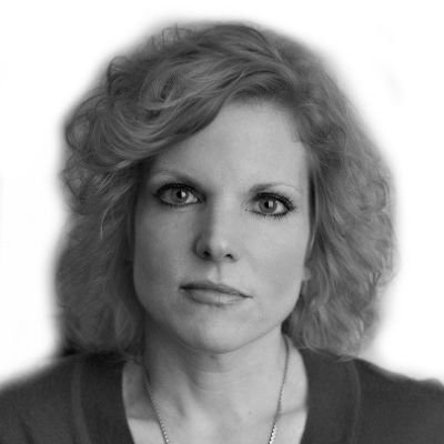 Laura Caldwell Headshot