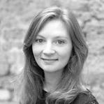 Laura Derksen Headshot