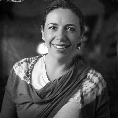 Laura Manzo Headshot