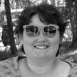 Laura Petralito Headshot