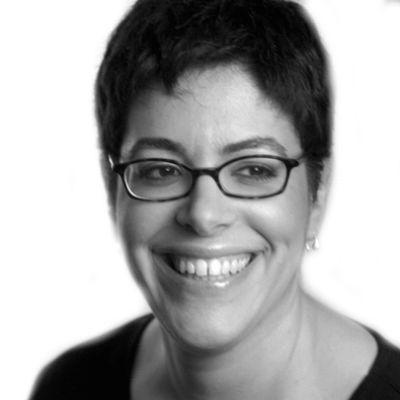 Laura Wattenberg Headshot