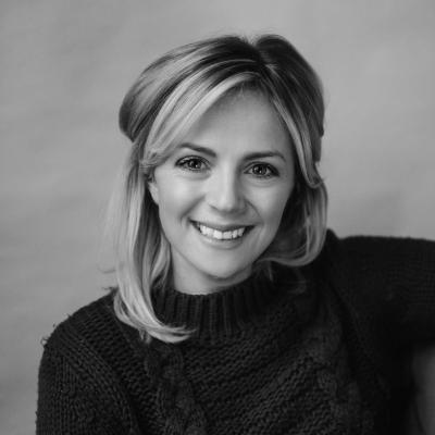 Leanne Davis Headshot