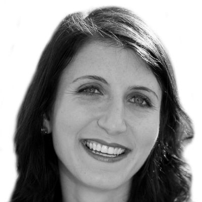 Leila Sales Headshot