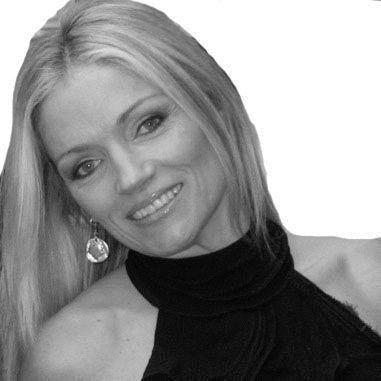 Lisa Jey Davis Headshot