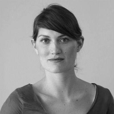 Lisa Seelig Headshot