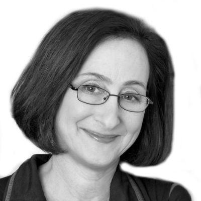 Lisa Zeidner Headshot