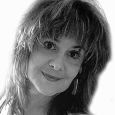 Liz Langley Headshot