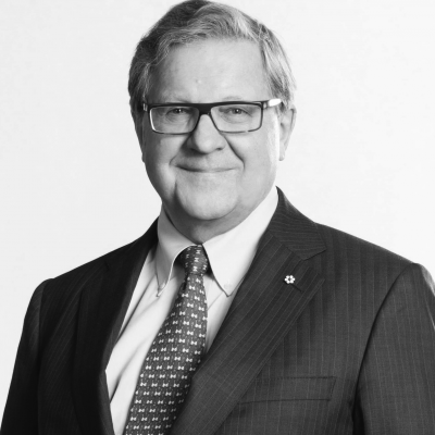 Lloyd Axworthy Headshot