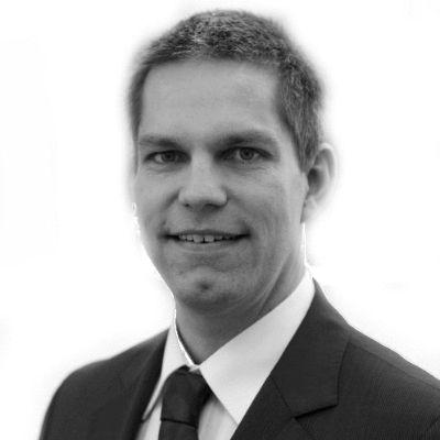 Dr. Lorenz Steinke Headshot
