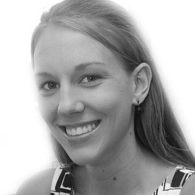 Lori Sanders Headshot