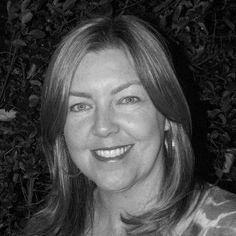 Lorraine Roe Headshot