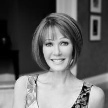Lynn Posluns Headshot