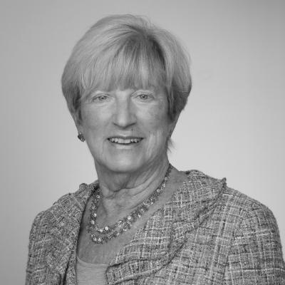Lynn Yeakel
