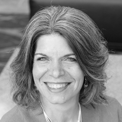 Lynne Cobb