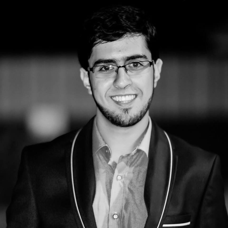 محمود أحمد أحميدي Headshot