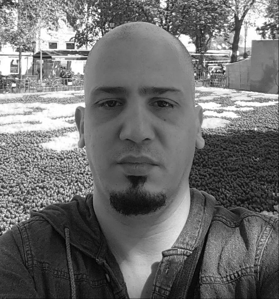 محمود علي عقل Headshot