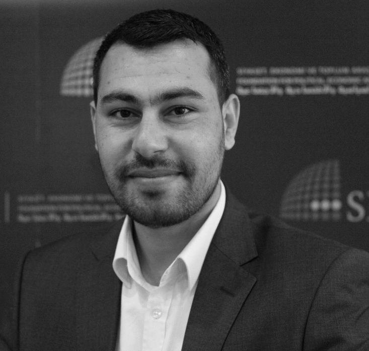 محمود سمير الرنتيسي Headshot