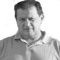 Μανόλης Μαυροζαχαράκης