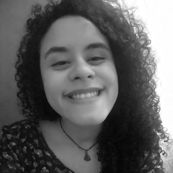 Maria Tereza Santos Headshot