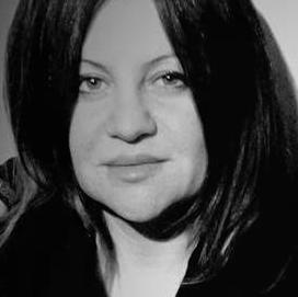 Marilu Oliva Headshot