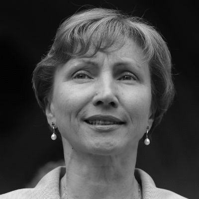 Marina Litwinenko Headshot