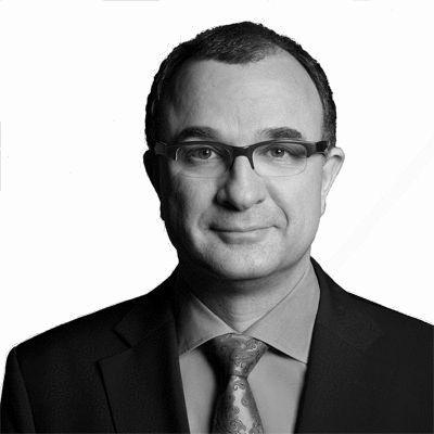 Prof. Dr. Martin Maslaton Headshot