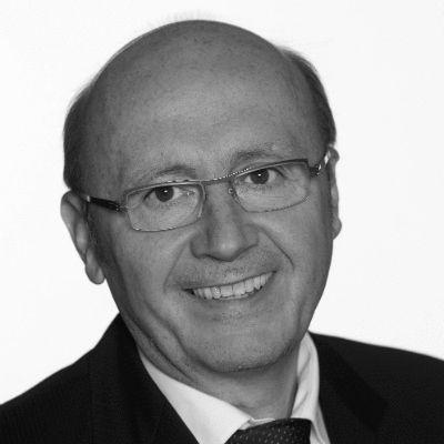 Martin Neumeyer Headshot