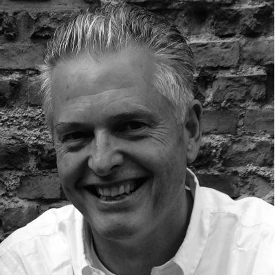 Mathias Voelchert Headshot