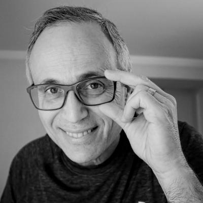 Mauro Segura Headshot