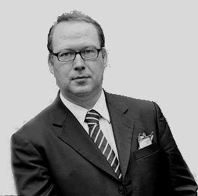 Prof. Dr. Max Otte Headshot