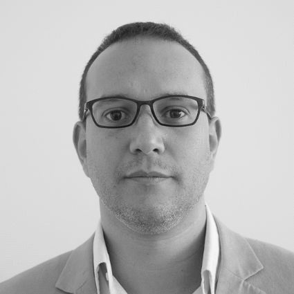 Mehdi Alioua Headshot