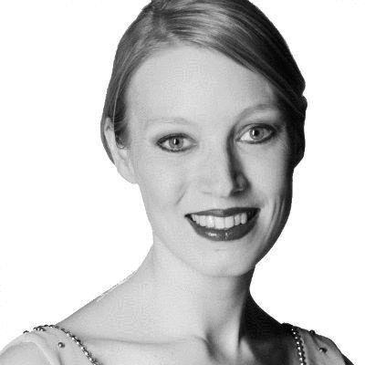 Dr. Melanie Grundmann Headshot