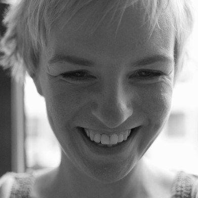 Melanie Trommer Headshot