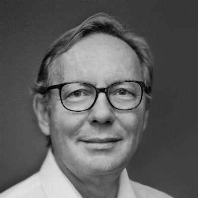 Dr. med. Michael H. Schoenberg Headshot
