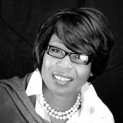 Michelle Francis Headshot