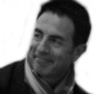 Miguel Lorente Headshot