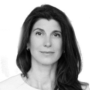 Mira Christine Mühlenhof Headshot