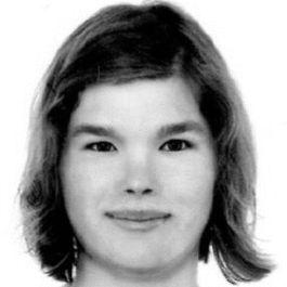 Miriam Sowka Headshot