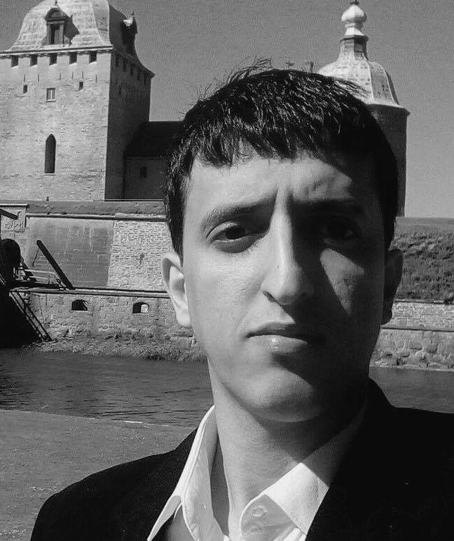 محمد عيدروس Headshot