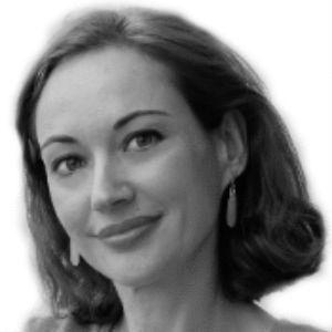 Mónica Esgueva Headshot