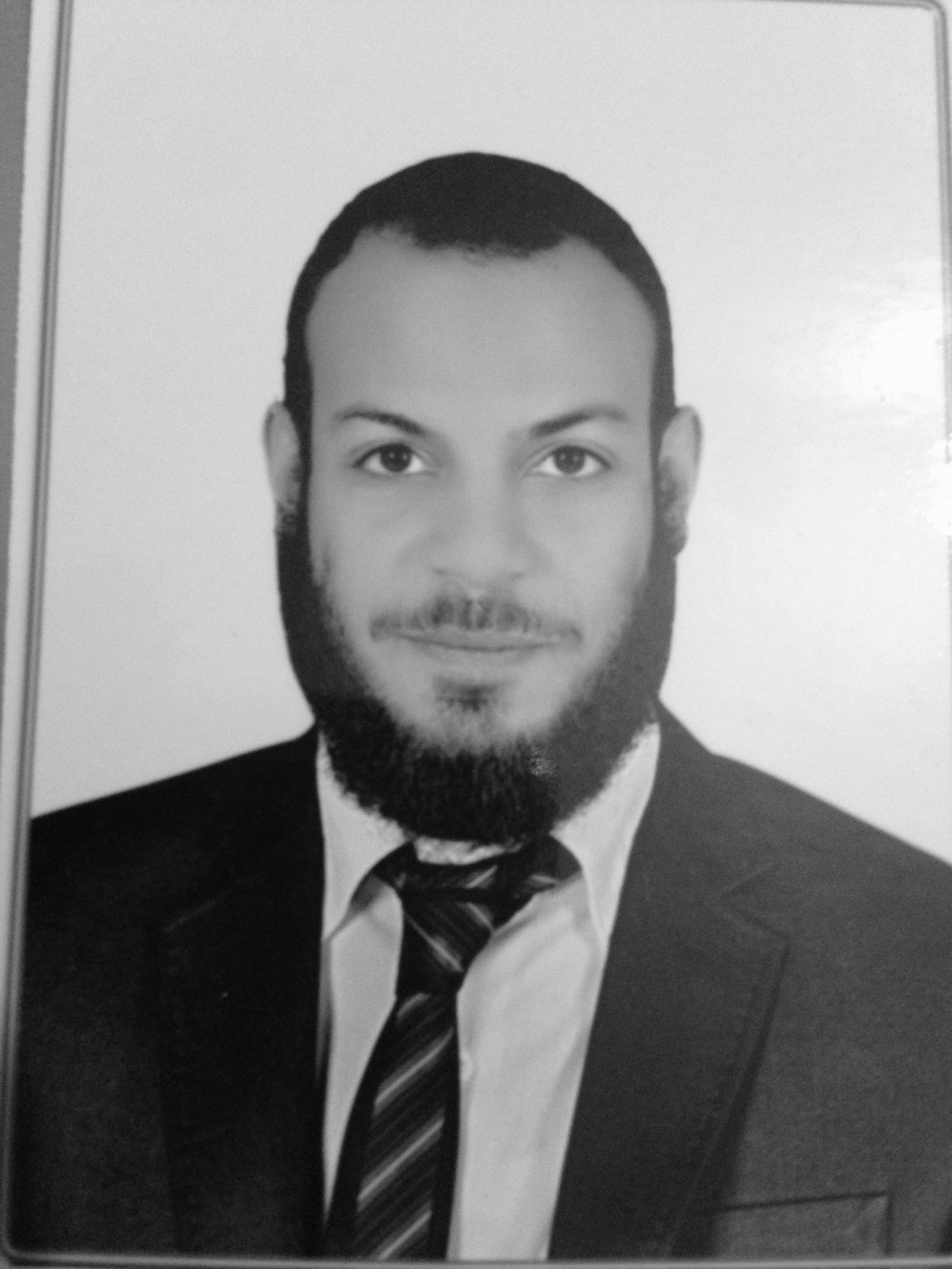 مصطفى منصور Headshot