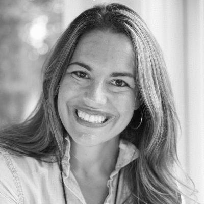 Natalia Mehlman Petrzela Headshot