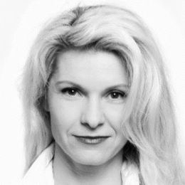 Nela Novakovic Headshot