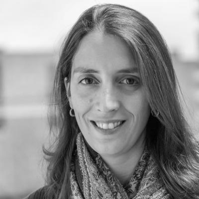 Nicole Neroulias Gupte Headshot