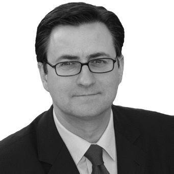 Dr. Nikolai A. Behr Headshot