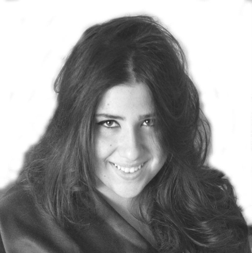 Nour El Houda Bey Headshot