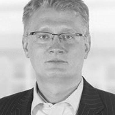 Oliver Schulz Headshot