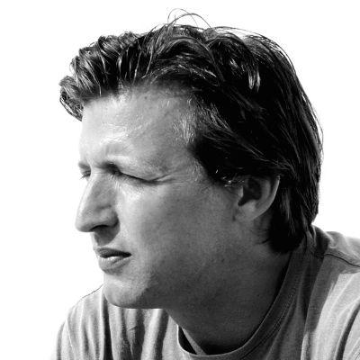 Oliver Weber Headshot